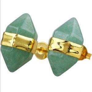 Jewelry - Green quartz gold pyramid hexagon stud earrings